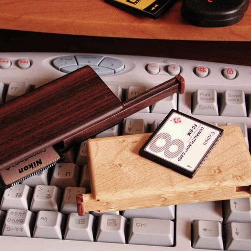フラッシュカード携帯ケース(黒檀・バーズアイメープル)【横浜市・T様邸】