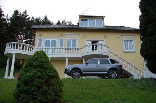 Villa in Pressbaum, Wienerwaldsee Mit Garage, Voliere und Swimmingpool Verkaufsrekord in 2 Monaten um € 600.000.- an eine nette Familie aus Wien.