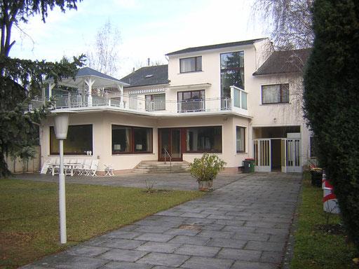 Villa in Wolkersdorf im Weinviertel Eine Baufirma hat dort ihre gesamte Belegschaft untergebracht. MP: 4500.- Euro.