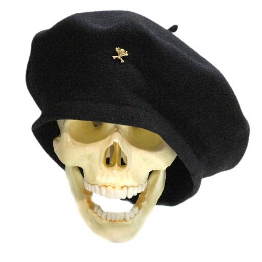 funny skull S ベレー帽のかぶり方って人それぞれですよね〜