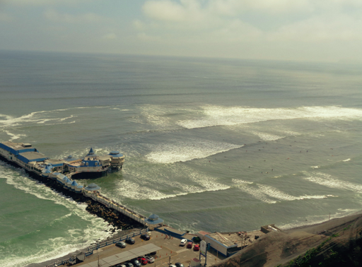 Lima ist ein Surf Hotspot