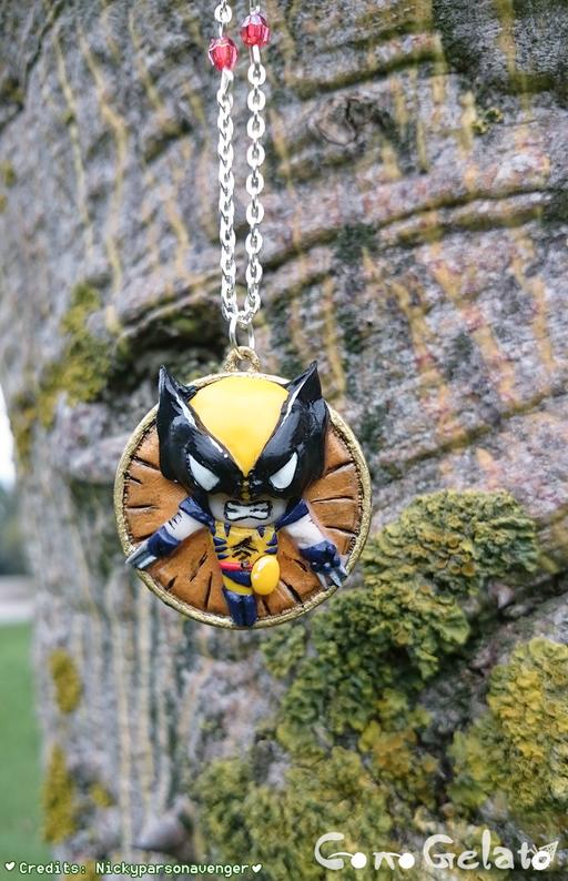 Un piccolo ma arrabbatissimo Wolverine su base metallica di 3 cm, commissionato!  E' un pezzo unico non replicabile, i credits vanno a Nickypersonavenger, che trovate su deviantart : http://nickyparsonavenger.deviantart.com/  che ringrazio per il permesso