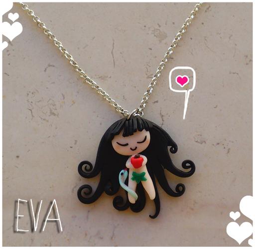 Collana 'Eva'; il ciondolo è alto 3cm e completamente fatto a mano. 14*