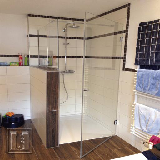 Duschtüre auf Maß angepasst mit Beschichtung / Referenz: Privathaushalt München umgebung / Glaserei Fischbach