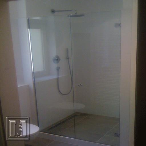 Dusche mit U-Profile / Referenz: Privathaushalt München / Glaserei Fischbach