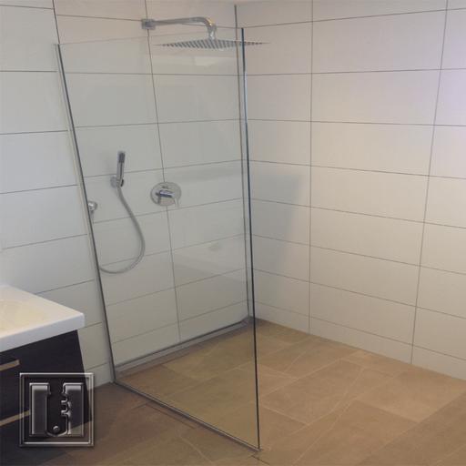 Walk In Dusche schlicht / Referenz: Privathaushalt München umgebung / Glaserei Fischbach