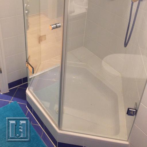 Dusche mit Gehrung / Referenz: Privathaushalt München umgebung / Glaserei Fischbach