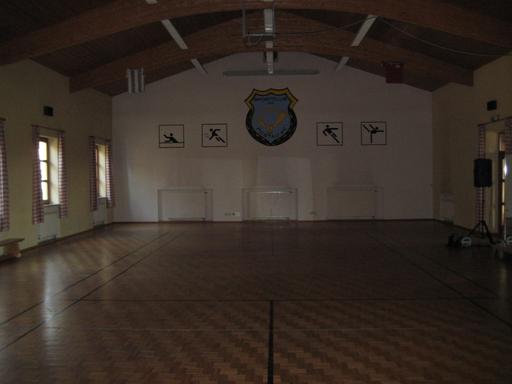 220qm Halle für Veranstaltungen, Turnen und Badminton