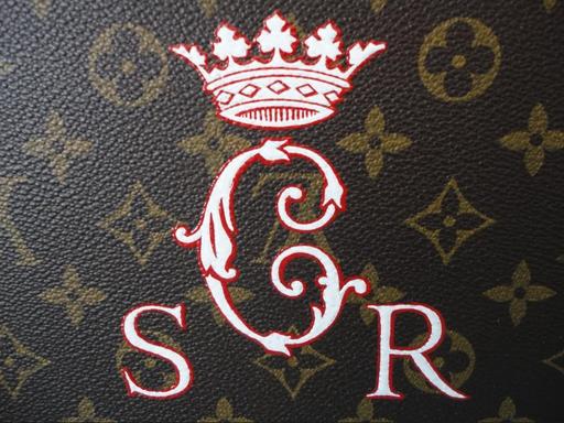 couronne royale louis Vuitton sur coffre ancien personnalisation