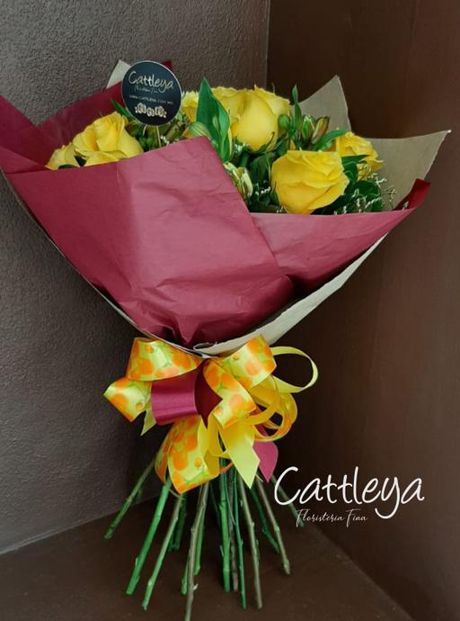 FBQ01 $580.-  [12 rosas color]
