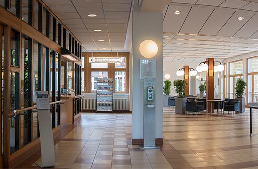 Foyer des St. Marien-Krankenhauses Berlin Lankwitz