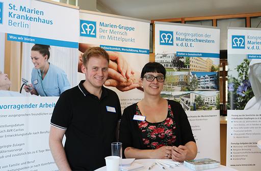 Pflegekräfte beim Tag der Handhygiene im St. Marien-Krankenhaus Berlin Lankwitz