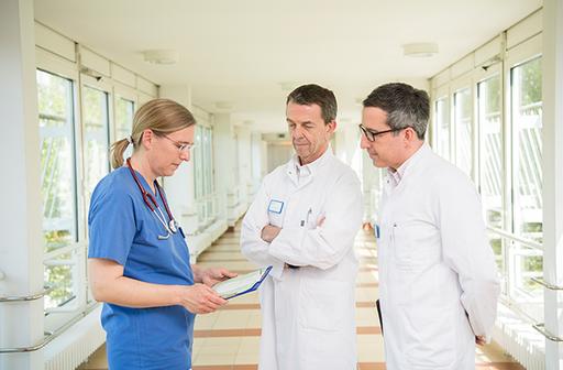 Ärzte im Gespräch im St. Marien-Krankenhaus Berlin Lankwitz