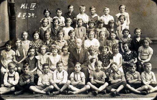 Klassenfoto mit Elfriede Katterwe 8.5.1934