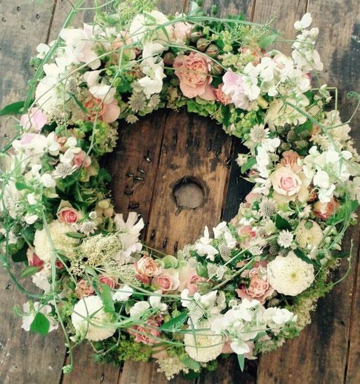 Blumen können unseren Schmerz nicht heilen, aber sie erinnern daran, dass es noch Schönes gibt.