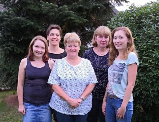 von links nach rechts:   Tanja Fischer; Andrana Domke; Claudia Gramelspacher; Franziska Schreiner; Simone Stiefvater
