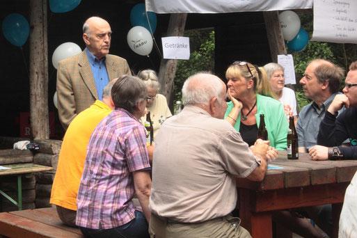 Herr Peter Kiesinger - Grüße der Gemeinde Karlsbad