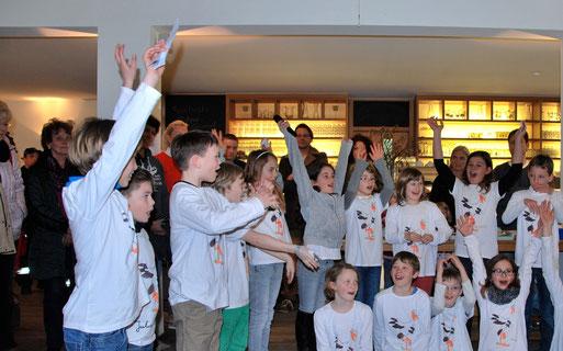Foto: Weißstorchenprojekt 2014 mit der Grundschule Weißenau in Bottenreute