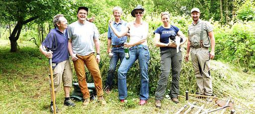 Glückliche Truppe nach ihrem Einsatz im Alten Weinberg. Foto: Birgit Riedel