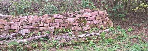 Eine schöne Trockenmauer