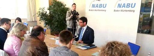 Dr. Andre Baumann stellt die NABU-Naturschutzziele 2020 vor. Foto: Hannes Huber.