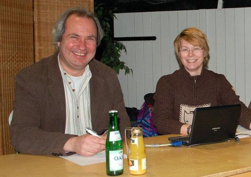 Roland Meyer und Sarina Pils berichten über das vergangene Jahr