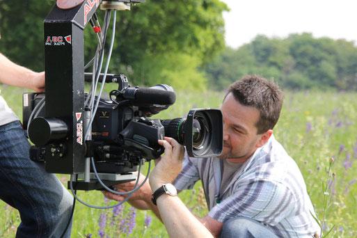 Regisseur Andreas Ewels vom ZDF kommt nach Rotenburg und gibt Tipps, wie man Tiere und Pflanzen mit Fotoapparat und Filmkamera in Szene setzt.