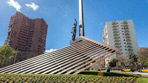 Площадь Республики в Барселоне. Пешеходные экскурсии по Барселоне