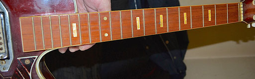 Mike`s ... super clean fretboard inlays.I wonder what wood that fretboard is. It can`t be rosewood. Click to enlarge