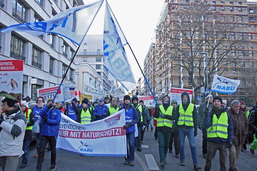 wir marschieren mit im NABU- Block