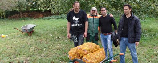 v.l. Markus, Uli, Khaled und Ahmad. Foto: Rolf Brandt