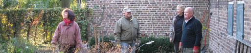 Aufräumarbeit macht gute Laune bei Marion, Karl-Heinz, Jenny und Herbert