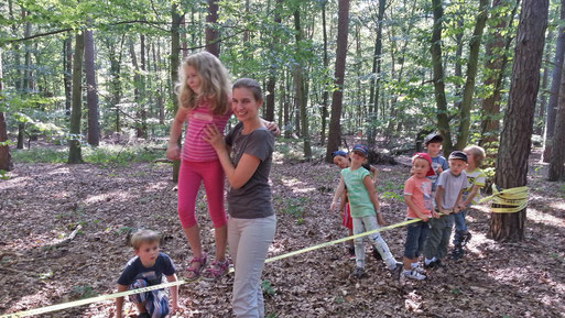 Johanna und Tina Orth beim Kletterspaß