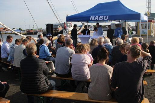 Podiumsdiskussion zum Thema Schutz des Wattenmeeres Foto: H.-J. Ropers