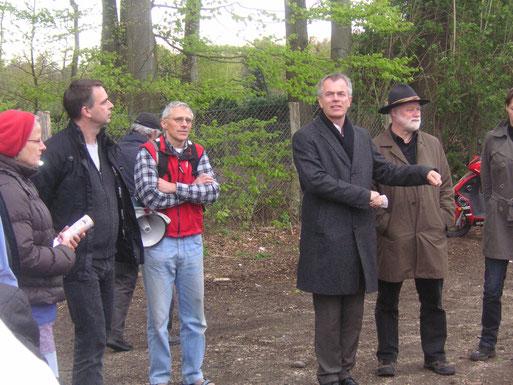 Der jetzige Umweltminister Johannes Remmel informierte sich 2012 vor Ort über die Erweiterungspläne. Foto: Gisela Wartenberg