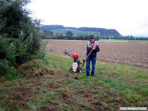 Landschaftspflege mit Motor- und Muskelkraft