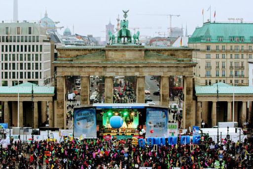 Abschlusskundgebung am Brandenburger Tor. Foto: wir-haben-es-satt.de/Die Auslöser Berlin
