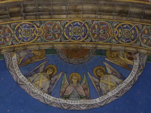 Rolduc oostelijke concha - Engelen boven het hoofd van Jezus Christus