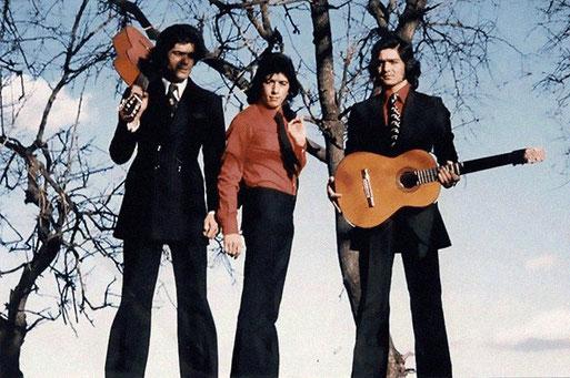 """Los Chichos promoción  primer  elepé """"Ni más ni menos""""  - 1974 - foto  de Archivo Philips"""