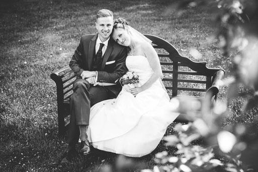 Hochzeit im Landhaus Suekow. Schicke Hochzeitslocation. Hochzeitsfotograf aus Wittenberge (Prignitz) mit Fotostudio. Taetig in Perleberg, Pritzwalk, Lenzen, Parchim, Wittstock, Gloevzin, ...,