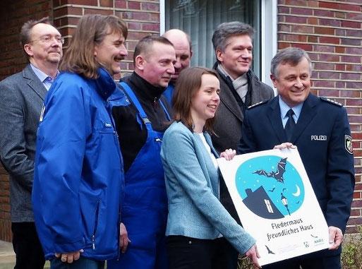 Auszeichnung des Landesamtes der Polizei als 200. fledermausfreundliches Haus in NRW