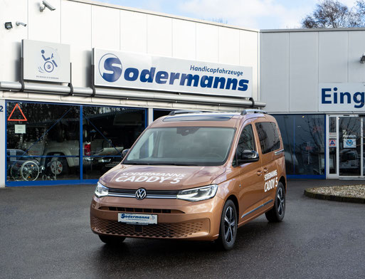 Behindertengerechter Volkswagen Caddy 5 Selbstfahrerumbau, Handbediengerät für Gas & Bremse, MFD, Pedalsperre, Ladeboy, Sodermanns