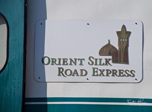 """Meine Höhepunkte auf dem """"OrientSilk"""" von Lernidee Erlebnisreisen in Kasachstan Die moderne Hauptstadt Astana  Almaty - die alte Hauptstadt und Heimat des Apfels Das Mausoleum von Hodscha Ahmad Yasawi"""