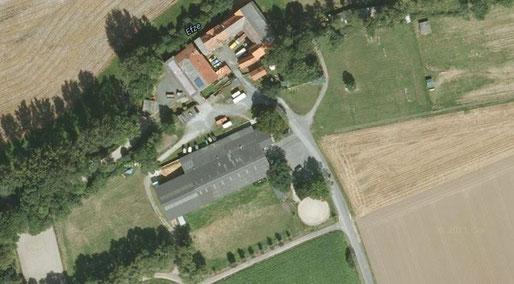 Die Reitanlage von oben (Google Maps)