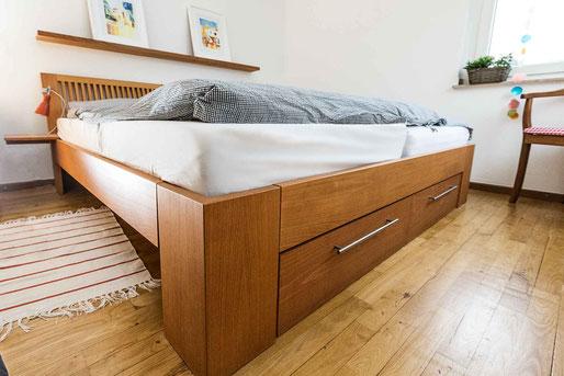 Maßgefertigtes Doppelbett