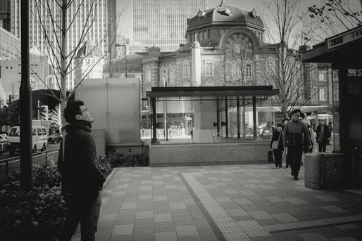 東京駅周辺、丸の内の変貌を見つめる友人