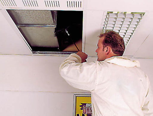 Luchtkanaalreiniging met borstel