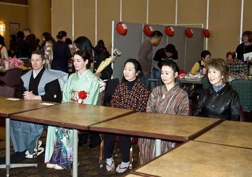 右から、高橋寛子さん、井上京香さん。2人とも「しるばにあっぷる」で特集しました。