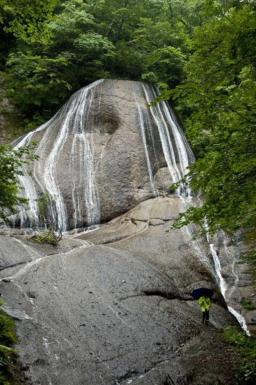 田子町のみろくの滝も見学しました