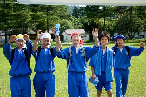 三戸中学校は父兄100人の参加がありました。大変いい経験になったと思います。